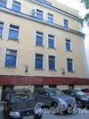 Невский проспект, дом 84-86, литера Б. Дом Петрово-Соловово (З.Н. Юсуповой). Вид фасада главного здания со стороны двора. фото май 2018 г.