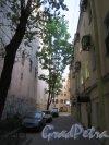 Невский пр., д. 112. Доходный дом. Вид проходного двора. фото май 2018 г.