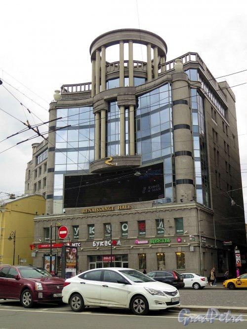 Владимирский пр., д. 23. Торгово-офисный комплекс Regent Hall, 2004-07. Общий вид здания со стороны площади. фото май 2017 г.