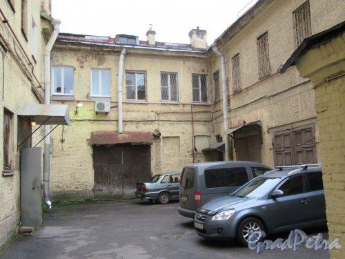 Литейный пр., д. 37-39а. Тупиковый двор. фото октябрь 2017 г.