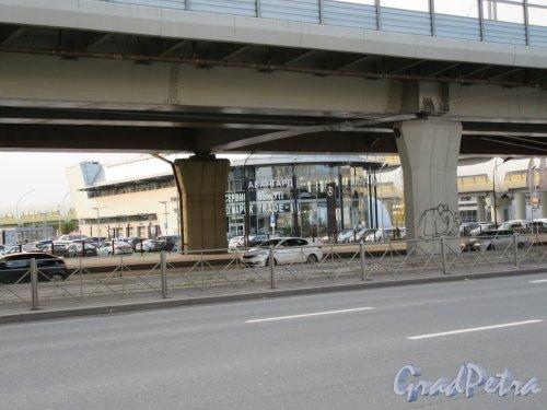 Транспортная развязка Приморского пр. и ЗСД. Опоры моста. фото октябрь 2017 г.