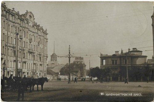 Каменноостровский проспект. Номер дома, к сожалению, определить не удалось. Фото начала XIX века.