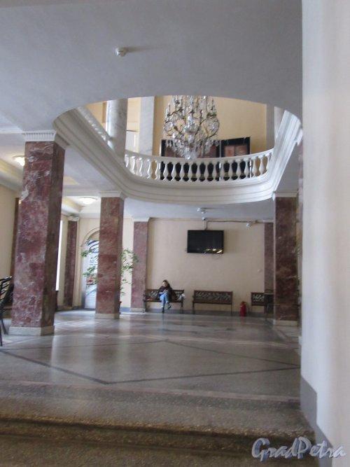 Невский пр., д. 39. Аничков дворец. Вестибюль гардероба. фото март 2018 г.