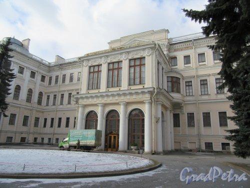 Невский пр., д. 39. Аничков дворец. Общий вид парадного фасада. фото март 2018 г.