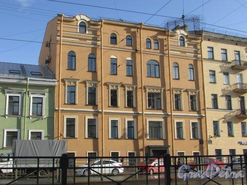 Лиговский проспект, дом 114, литера В. Общий вид фасада здания. Фото 1 октября 2019 года.