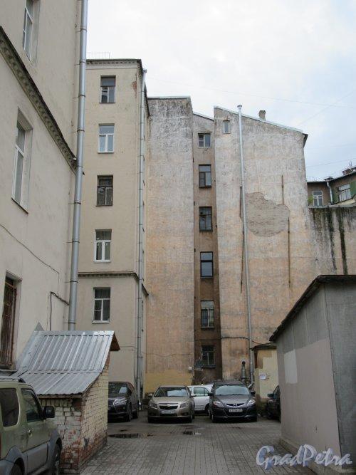 Суворовский пр., д. 40. Дворовые фасады. фото май 2018 г.