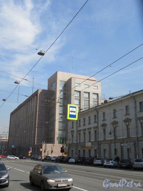 Литейный проспект. Вид проспекта у домов 4-6 с ул. Чайковского. фото май 2018 г.