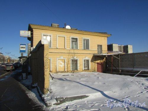 Лиговский проспект, дом 236, литера А. Административный корпус. Вид с Тосина улицы. Фото 6 февраля 2020 года.