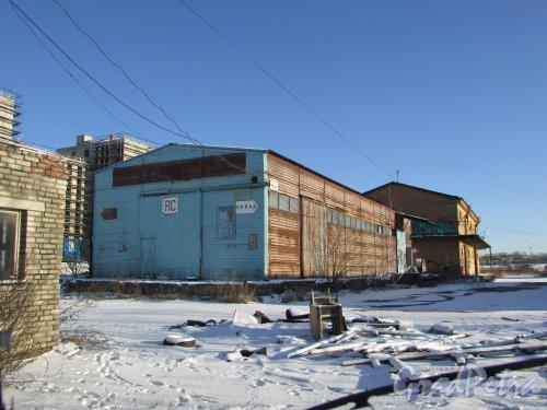 Лиговский проспект, дом 236, литера К и литера Н. Сохранившиеся здания складов. Фото 6 февраля 2020 года.