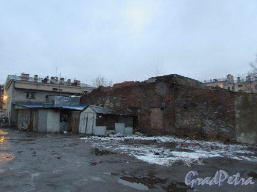 Лиговский проспект, дом 216, литера В. Строения за корпусом. Фото 10 февраля 2020 года.