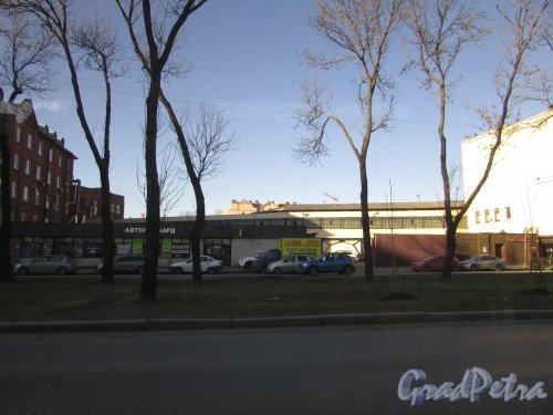 Лиговский проспект, дом 289, литера Л, один из корпусов рыбокомбината «Пищевик», ныне Автоломбард. Фото 25 февраля 2020 г.