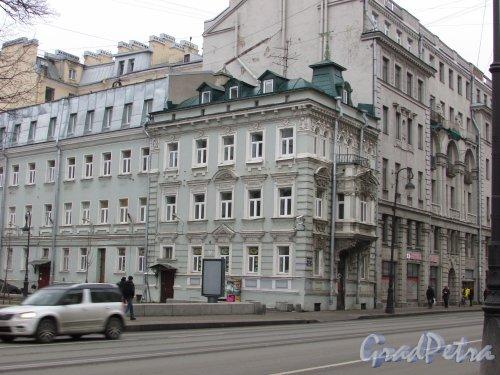 Каменноостровский проспект, дом 11, литера А. Правая часть здания. Фото 3 марта 2020 г.