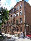 Большой пр., В.О., д. 55, лит. Б. Двор, Флигель «Сиротского дома». Общий вид фасада здания. фото июнь 2018 г.