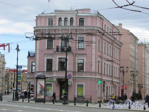 Невский проспект, дом 124. Фасад здания, выходящий на Суворовский пр.. Фото 7 мая 2020 г.