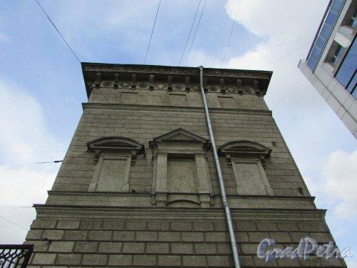 Невский проспект, дом 184, литера А. Торец здания со стороны дома 190. Фото 7 мая 2020 г.