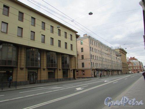 Перспектива чётной стороны Суворовского проспекта на участке от Невского проспекта до 2-й Советской улицы. Фото 7 мая 2020 г.
