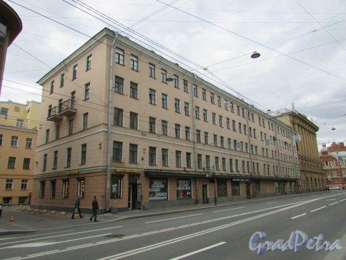 Суворовский пр., д. 2. Общий вид здания. Фото 7 мая 2020 г.