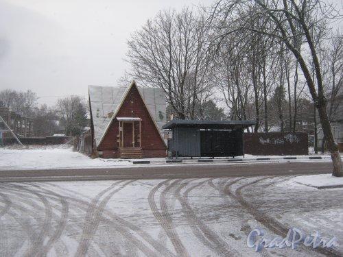 Лен. обл., Выборгский р-н, г. Приморск, Выборгское шоссе, дом 4а. Общий вид здания. Фото 7 декабря 2013 г.