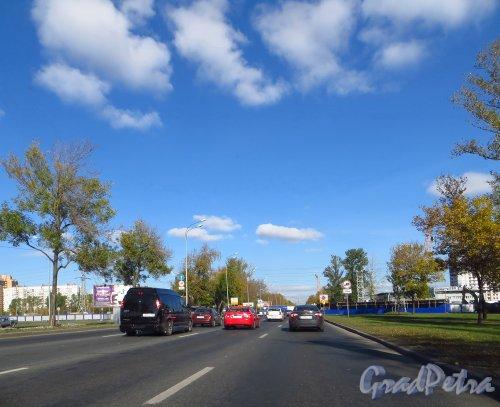 Перекресток Пулковского шоссе и Дунайского проспекта до строительства путепровода. Фото 2 октября 2014 года.