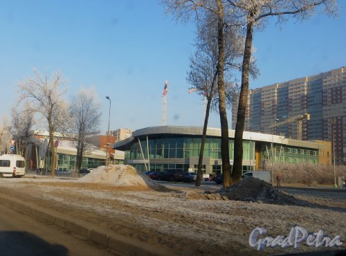 Пулковское шоссе, дом 36, корпус 3, литера А. Автоцентр «ЕвроСиб Авто». Автосалон «Mazda» Фото 20 ноября 2014 года.
