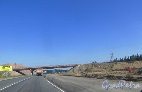 Реконструкция развязки трассы Е-18 «Скандинавия» и 41А-189 («Магистральная») в районе посёлка Огоньки. Фото 4 июля 2015 года.