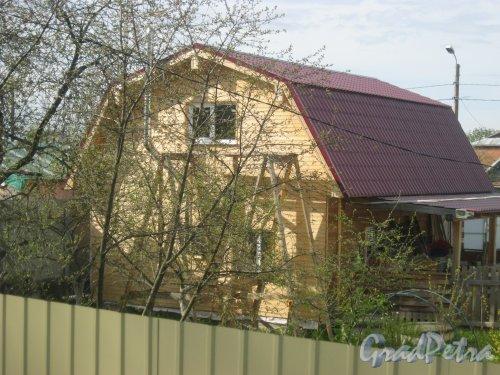 пос. Торики, Аннинское шоссе. Один из частных домов. Фото 12 мая 2015 г.