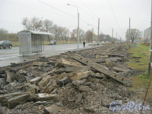 Петергофское шоссе в районе дома 3. Замена трамвайных рельсов. Фото 17 ноября 2015 г.