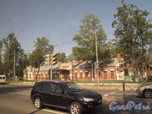 Рябовское шоссе, 130. Штаб Ржевского полигона. Общий вид. фото июль 2014 г.