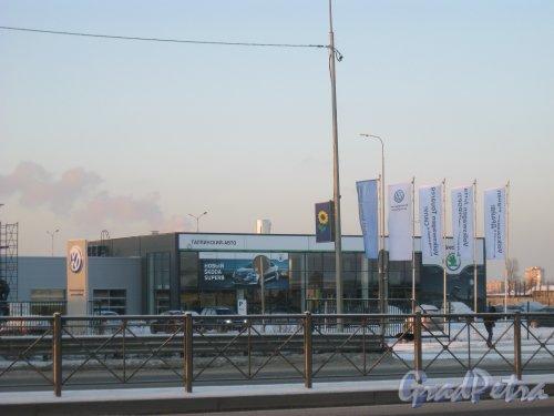 пос. Старо-Паново, Таллинское шоссе, дом 157. Вид с автобусной остановки. Фото 5 января 2016 г.