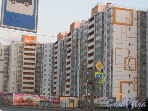 пос. Шушары, Московское шоссе, дом 246. Фрагмент здания. Фото 30 апреля 2016 г.