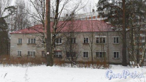 Всеволожск, Колтушское шоссе, дом 86. 2-этажный жилой дом 1961 года постройки. 2 парадные, 12 квартир. Фото 17 ноября 2016 года.
