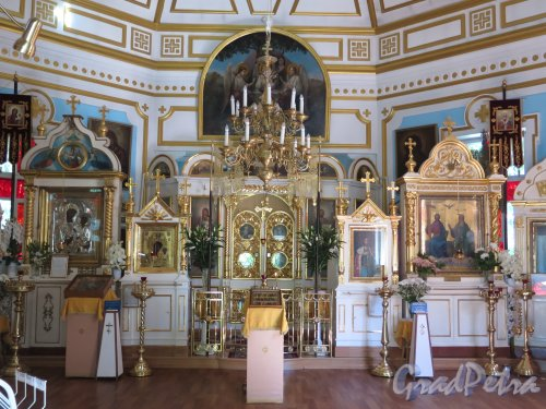 Выборгское шоссе, д. 106. Храм Святого Александра Невского, 1885-86, Интерьер. фото август 2015 г.
