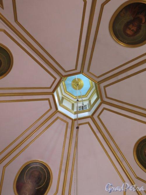 Выборгское шоссе, д. 106. Храм Святого Александра Невского, 1885-86. Вид купола. фото август 2015 г.