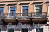Бол. Конюшенная ул., д. 4 / Шведский пер., д. 1. Доходный дом Финской евангелическо-лютеранской церкви Св. Марии. Решетка балкона. Фото март 2010 г.