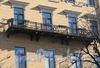 Бол. Конюшенная ул., д. 14. Доходный дом Немецкой лютеранской церкви св. Петра. Решетка балкона. Фото март 2010 г.