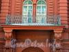 Бол. Конюшенная ул., д. 25. Здание Французской реформатской церкви св. Павла. Решетка балкона. Фото март 2010 г.