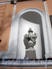Фурштатская ул., д. 58. Дворец «Малютка» (бывш. Дом Н.В.Спиридонова). Художественное оформление фасада. Март 2009 г.