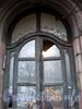 Звенигородская ул., д. 4. Дверь парадной. Ноябрь 2008 г.