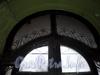Звенигородская ул., д. 4. Оригинальное остекление над входом в парадную. Ноябрь 2008 г.