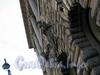 Большая Морская ул., д. 15. Здание Русского торгово-промышленного банка. Элементы декора фасада здания. Фото июль 2009 г.