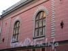 Галерная ул., д. 33. Особняк С.П.фон Дервиза. Фрагмент фасада здания. Фото июль 2009 г.