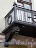Ул. Чайковского, д. 27 (правая часть). Особняк В. П. Давыдова. Кронштейн балкона. Фото сентябрь 2009 г.