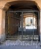 Ул. Куйбышева, д. 29. Бывший доходный дом. Решетка ворот. Фото август 2009 г.