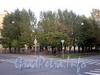 Сквер на углу улиц Черняховского и Роменской. Фото октябрь 2009 г.
