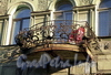 Ул. Черняховского, д. 53. Бывший доходный дом. Решетка балкона. Фото октябрь 2009 г.