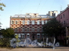 Ул. Черняховского, д. 59. Здание бывших бань В. Л. Скворцовой. Фасад здания. Фото октябрь 2009 г.