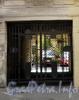 Гороховая ул., д. 51. Бывший доходный дом. Решетка ворот. Фото июль 2009 г.