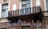 Гороховая ул., д. 53. Решетка балкона. Фото июль 2009 г.