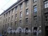 Гороховая ул., д. 57, лит. А. Ленинградский областной колледж культуры и искусства. Фрагмент центральной части фасада здания. Фото июль 2009 г.