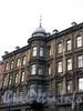 Гороховая ул., д. 64. Доходный дом А. В. Бадаевой и М. П. Тимофеевой. Эркер с флюгером. Фото май 2004 г.